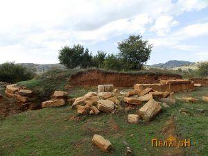 Гробницата со остатоците од хероонот од јужната страна