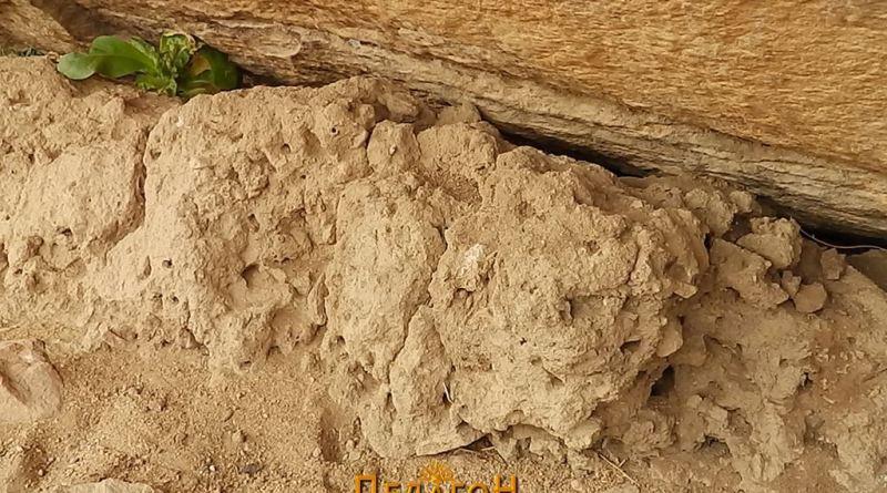 Култна шуплина со глина