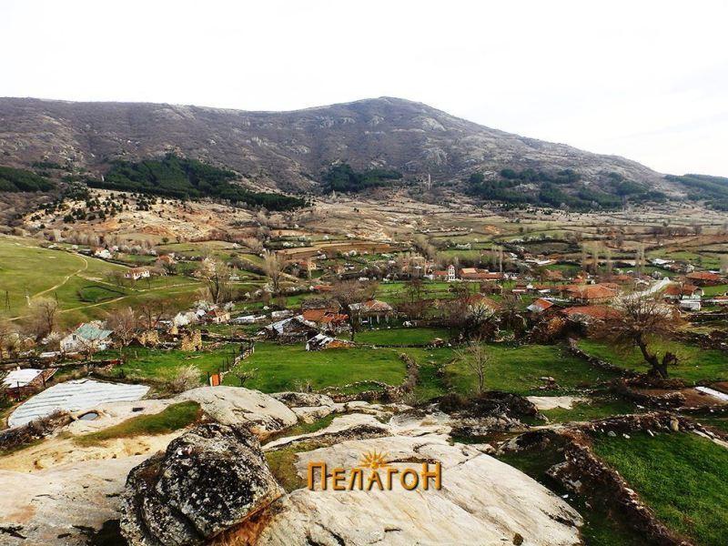 Селото Штавица - поглед од - север