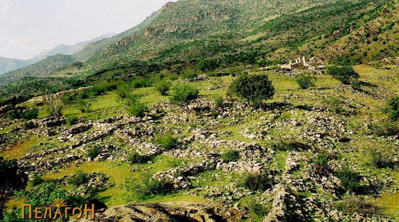 Остатоци од градби во внатрешниот дел на тврдината