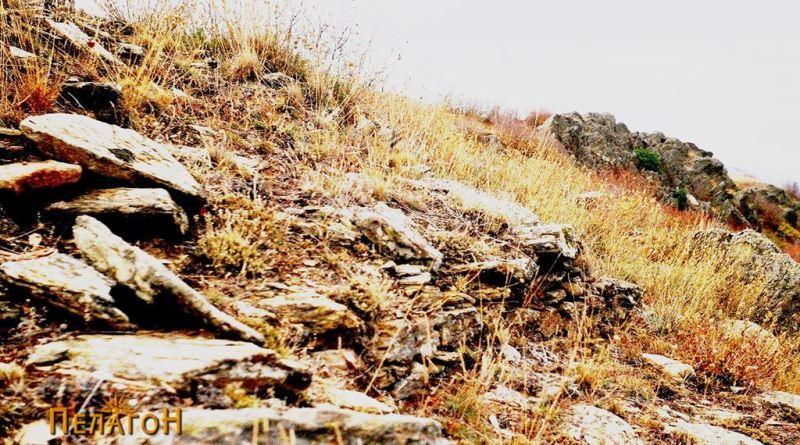 Остатоци од кула на јужната тумба