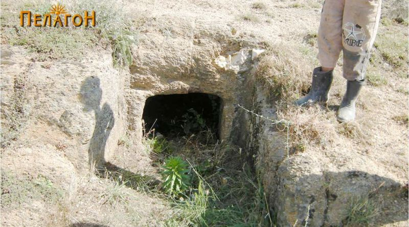 Гробница бр. 1 - засечена во карпа