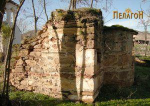Старата црква со апсидата