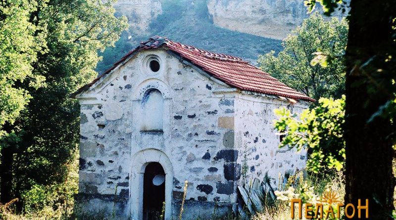 """Црквата """"Св. Димитрија"""" - од југозапад"""