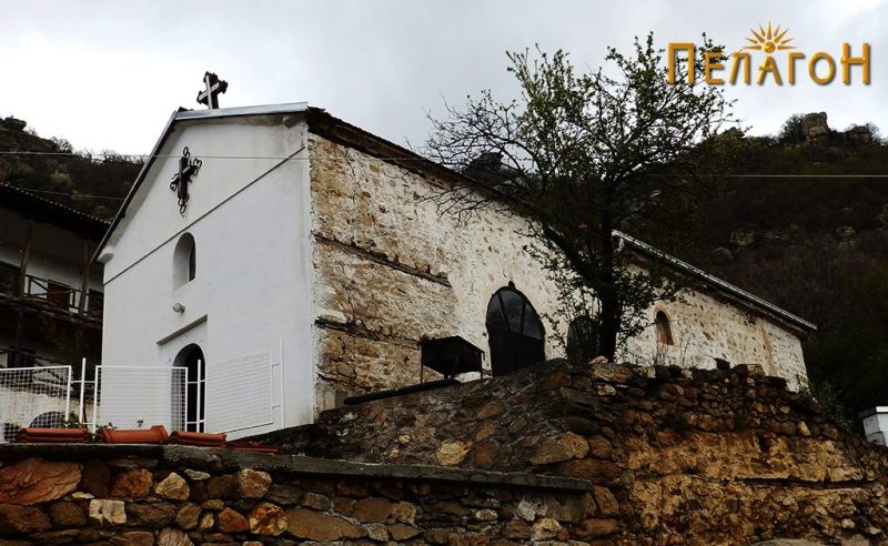 "Црквата ""Св. Никола"" од југозапад"