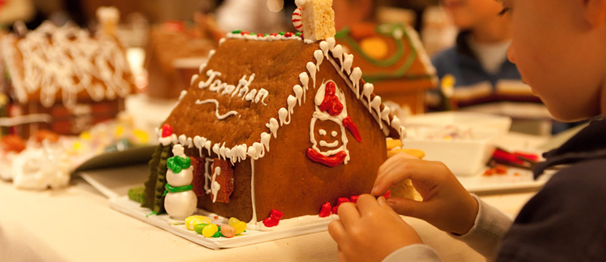 Childrens Gingerbread House Decorating The Resort At