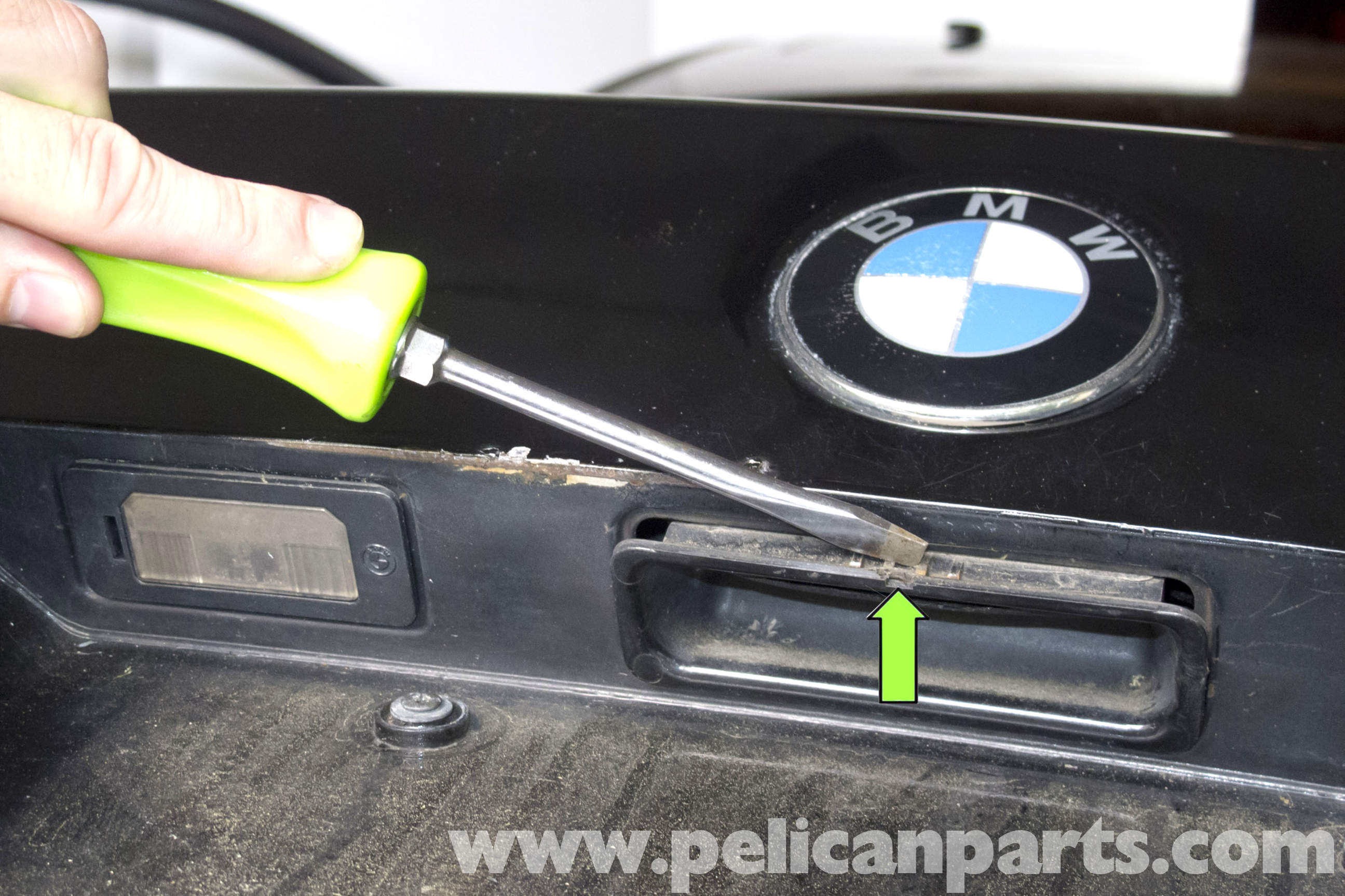 BMW E39 5 Series Trunk Release Button Replacement 1997