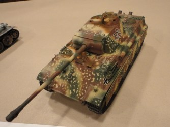 This time Bill goes over to the losers and presented this cool 1:35 Tamiya Panther G.