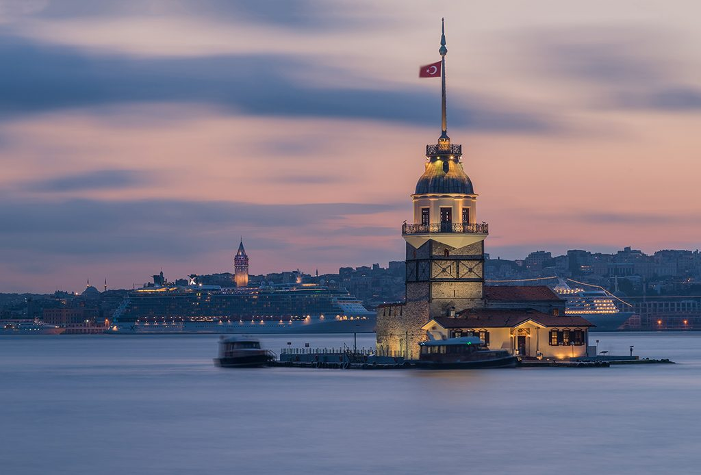 night, nightphotography, dusk, bluehour, mavisaatler, gece, gece fotografi, uzun pozlama, uzunpozlama, longexposure, long exposure, istanbul, maidenstower, kizkulesi, landmark, cityscape,
