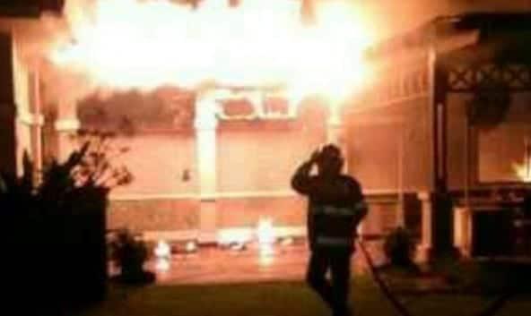 Hotel The Royale Krakatau Cilegon Dilalap Api