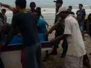 Gelombang Tinggi Hantam Rumah Nelayan di Pantai Cikeusik Pandeglang