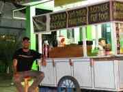 Gerobak Wali Jasun Kang Karjo Sajikan Kuliner Tradisional Khas Tangerang