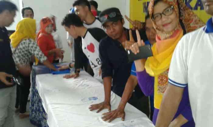 Tim Relawan WH-Andika Gotong Royong Menangkan Nomor Urut Satu Tim Relawan WH-Andika Gotong Royong Menangkan Nomor Urut Satu