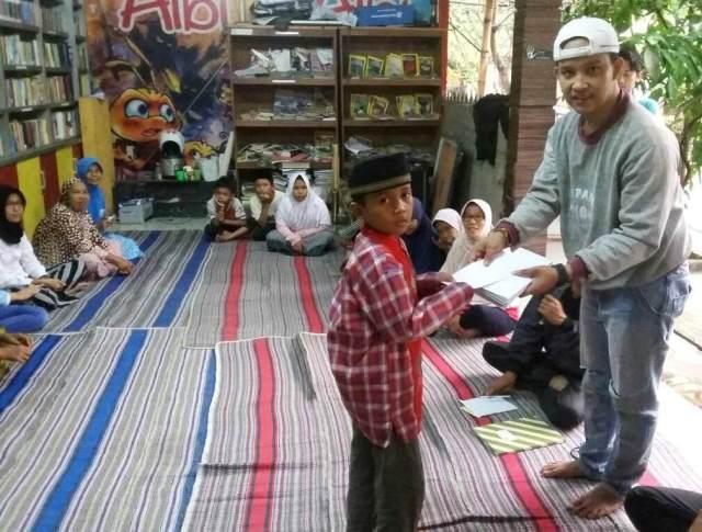 Berbagi Berkah Ramadhan di Kampoeng Literasi TBM Kedai Proses