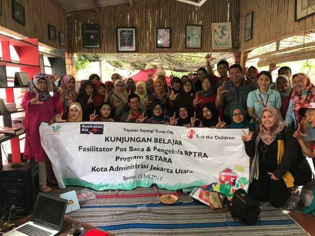 Puluhan Pegiat Literasi dari Jakarta Kunjungi TBM Kedai Proses Rangkasbitung