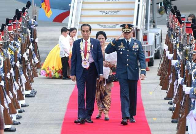 Tiba di Filipina, Presiden Jokowi Hadiri KTT ASEAN di Manila