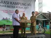 Bersama BKKBN, Anggota DPR Sosialisasikan Keluarga Berencana di Tangerang