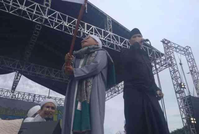 Ahmad Dhani Nyanyikan Lagu Aksi Bela Islam di Reuni 212