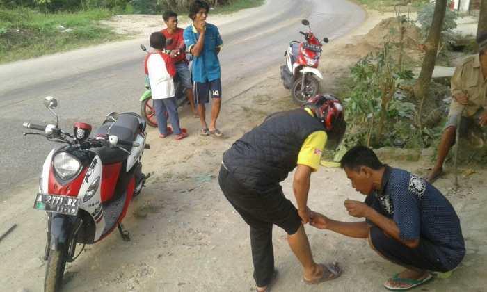 Kecelakaan Sering Terjadi di Jalan Raya Leuwidamar KM 08 Disebabkan Truk Mengangkut Pasir Basah Kecelakaan Sering Terjadi di Jalan Raya Leuwidamar KM 08 Disebabkan Truk Mengangkut Pasir Basah