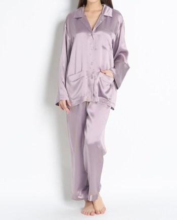 Pigiama lungo in raso di seta giacca con bottoni grigio chiaro