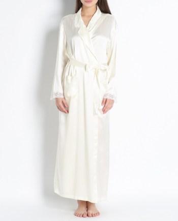 Vestaglia stile kimono lungo con pizzo in raso di seta avorio.