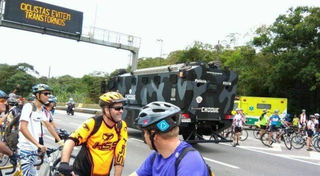 Direito do ciclista Paulista: Ser recebido com Tiro, Porrada e Bomba!
