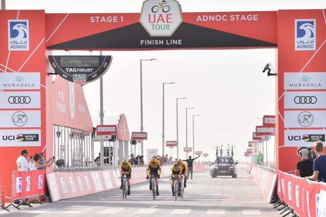 Jumbo-Visma vence contra relógio por equipes e Roglic lidera nos Emirados Árabes