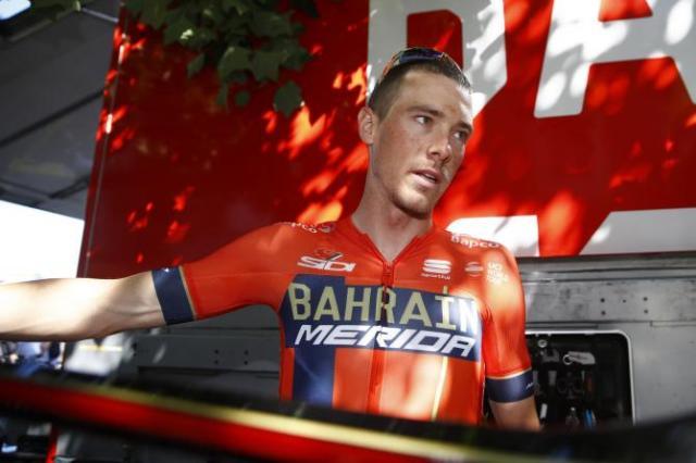 Rohan Dennis surta e abandona o Tour de France