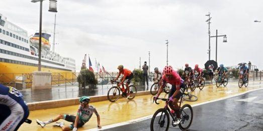 Chuva tornou etapa do Tour de France Caótica