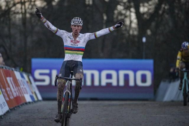 Van der Poel vence etapa da Copa do Mundo de Cyclocross