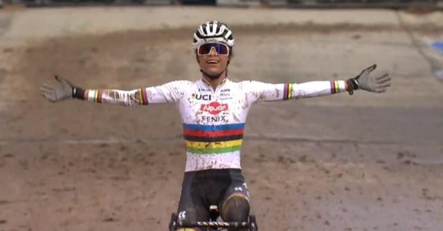 Ceylin del Carmen Alvarado vencedora da Copa do Mundo de Cyclocross   Foto: Captura UCI