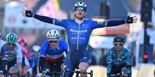 Sam Bennett vence sprint na Paris Nice!
