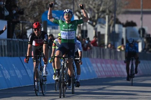 Vitória da fuga com Mads Schmidt na Tirreno Adriático
