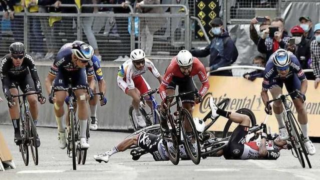 Tim Merlier vence no Tour, Van der Poel segue líder e Peter Sagan Cai
