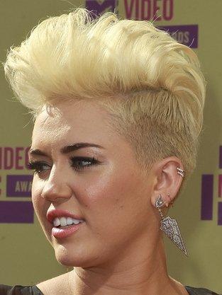 Miley Cyrus Y Su Nuevo Corte De Pelo Al Estilo Punky