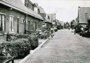 Jutphaas, het zuidelijke deel van de vroegere Wilhelminastraat (nu de Stormerdijkstraat), gezien in noordelijke richting