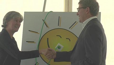 Video: Zonnepark in Nieuwegein met 14.000 panelen vandaag geopend