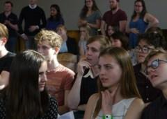 Leerlingen uit Nieuwegein laten zien wat ze kunnen op voorronde NK Debatteren