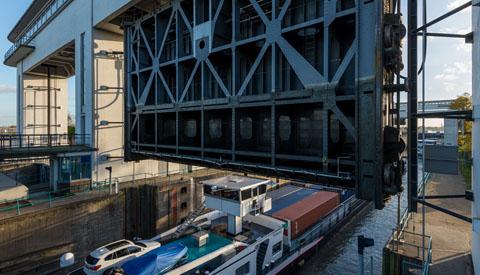 Gedeeltelijke scheepvaartstremming Prinses Beatrixsluis tijdens werkzaamheden aan stroom- en energievoorziening