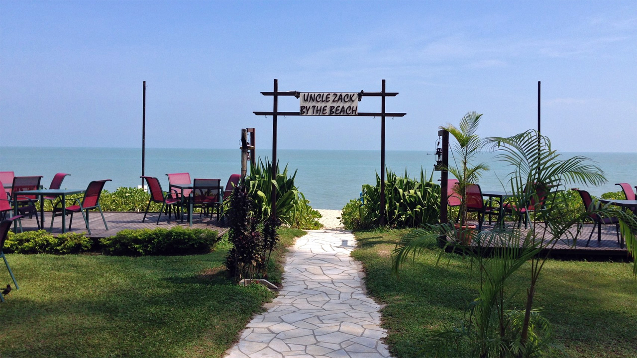 Parkroyal-Penang-Resort-Uncle-Zack-by-the-Beach