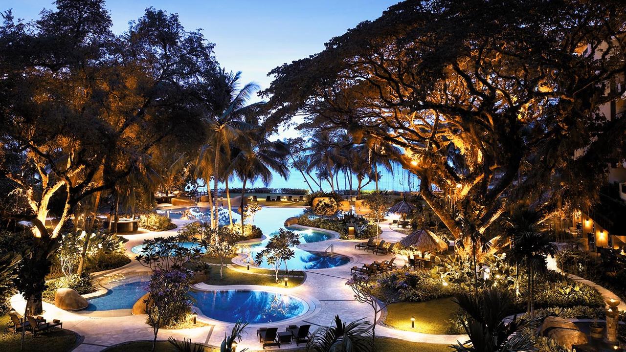 Rasa-Sayang-Resort-Penang-Evening-Pool-View