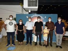 YKS'de İlk 1000'e Girenler Ödüllendirildi