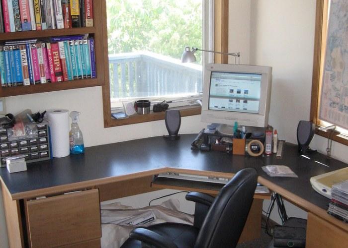 Faktor Pembeda Kantor Translator Tersumpah dan Penerjemah Biasa