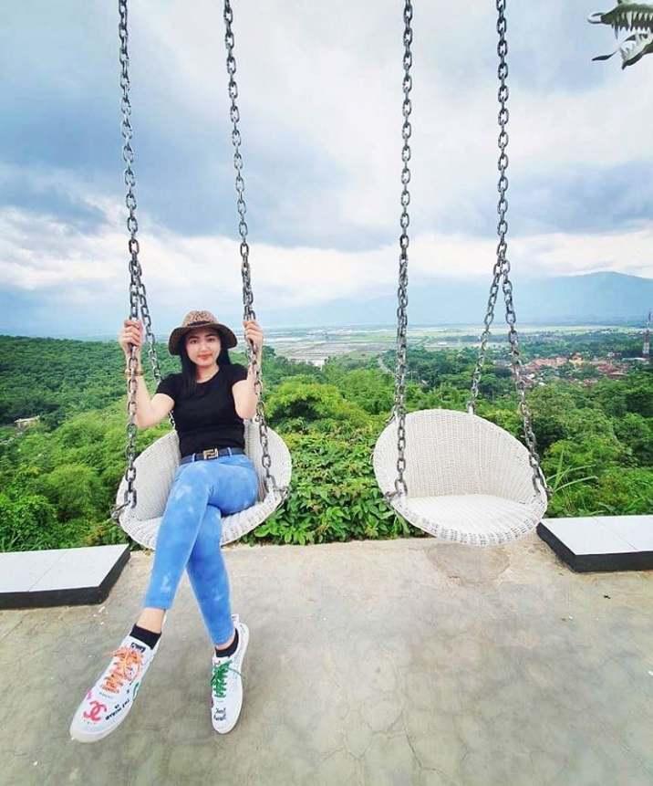 gambar spot foto eling bening resort