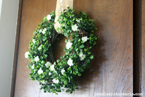 Spring Wreath @penniesinpearls #frugalcrafts #springcrafts #frugalspringcrafts