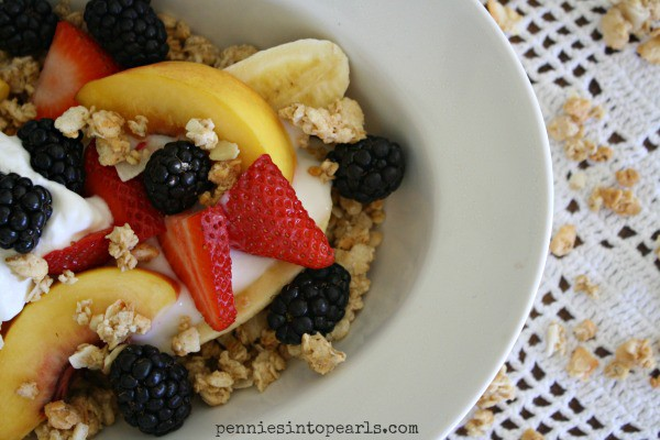 Breakfast Banana Split - penniesintopearls.com - #bananasplit #breakfastbananasplit #healthybreakfast #breakfast #quickbreakfast