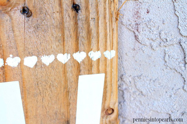 DIY Pallet Wood Sign - penniesintopearls.com - If you have a love for pallet crafts then this is for you! Come see how quick I was able to make this pretty thing!