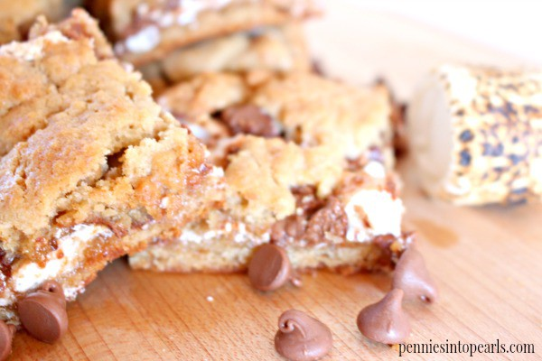 S'mores Cookie Bars - penniesintopearls.com - Easy s'mores recipe made with all your favorite s'mores ingredients! Prep only takes 10 minutes!