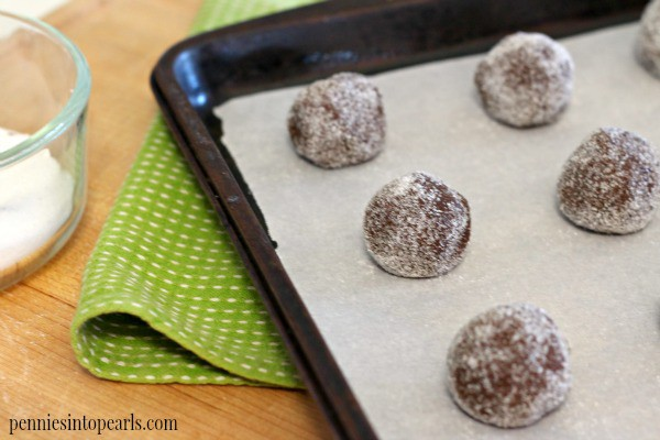 Caramel Filled Chocolate Cookies - penniesintopearls.com - These caramel filled chocolate cookies look perfect for my next dessert! I make these caramel filled chocolate cookies every time we have company over!