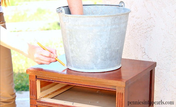 Such an easy DIY project to make a HUGE statement for your next party! DIY drink station for only $20.